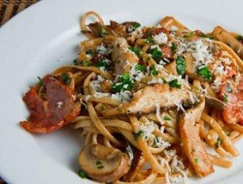 спагетти с маринованными грибами
