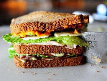 Сэндвич с курицей и беконом, пошаговый рецепт с фото